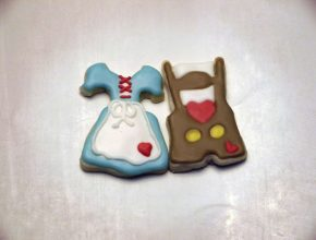 Lederhosen (pants) and dirndl (dress) cookies!